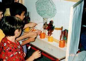 Παράσταση Καραγκιόζη από τα παιδιά
